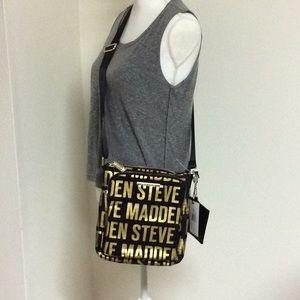 Steve Madden glam nylon black & gold purse